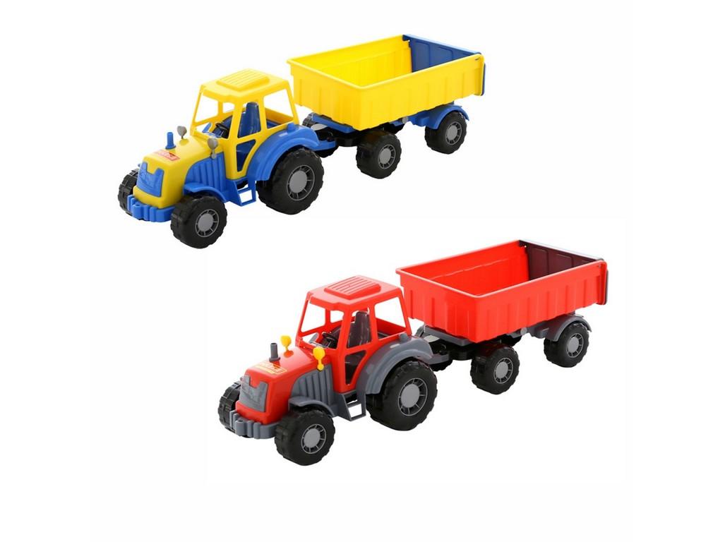 Traktor Altaj, s přívěsem